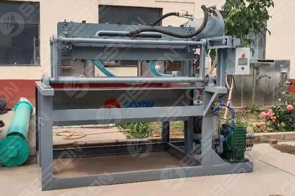 Máquina para fabricar bandejas de huevos manual