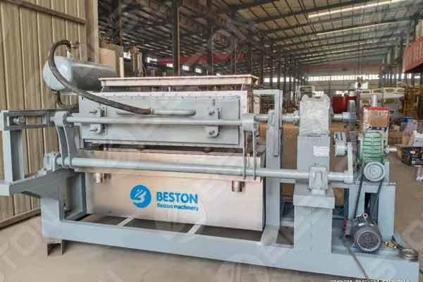 Máquina para fabricar bandejas de huevos semiautomática