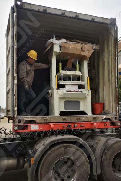 Máquina de bandeja de huevos cargada para la venta a Zambia