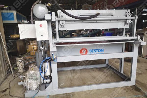 BTF1-4 Petite machine à plateaux d'oeufs au Bangladesh