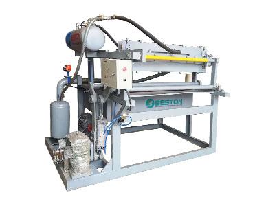 BTF1-4 petit plateau d'oeufs faisant la machine