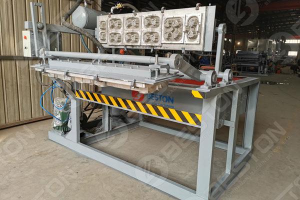 Máquina para fabricar bandejas portavasos de café