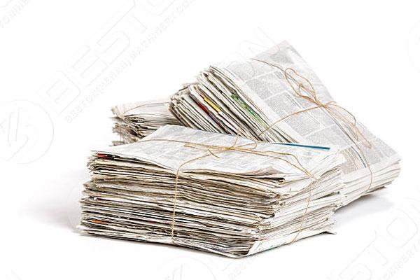 Periódico de residuos recolectados para la producción de bandejas de huevos en Botswana
