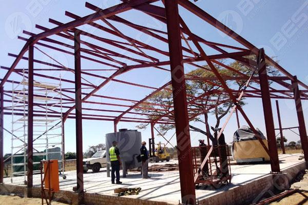 Construction pour la machine de plateau d'oeufs
